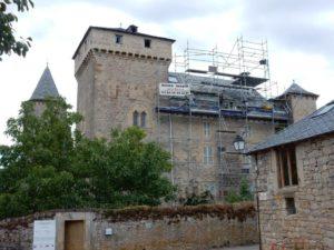 Installation d'échafaudage sur Château