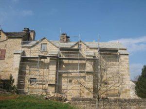 Couverture en Pas de charge - ancienne propriété fortifiée